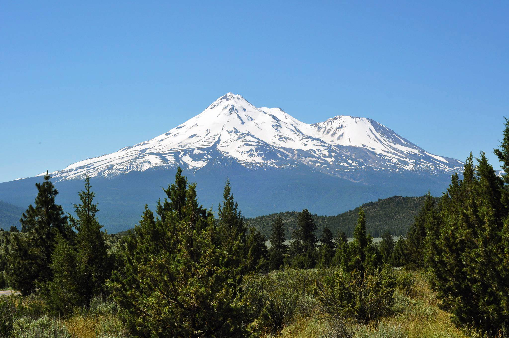 Mount Shasta Desktop Background