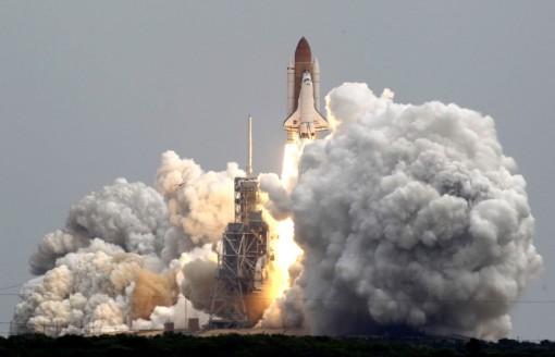 Shuttle-Atlantis-liftoff-July-2011-A1-1024x659