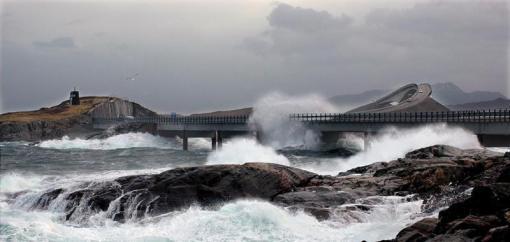 fakealcohol-Norway's-Atlantic-Ocean-Road